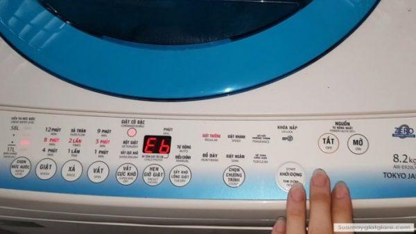 3 cách máy giặt Toshiba báo lỗi Eb tại nhà ai cũng làm được
