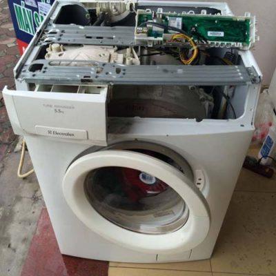 máy giặt không vào điện do bo mạch có vấn đề