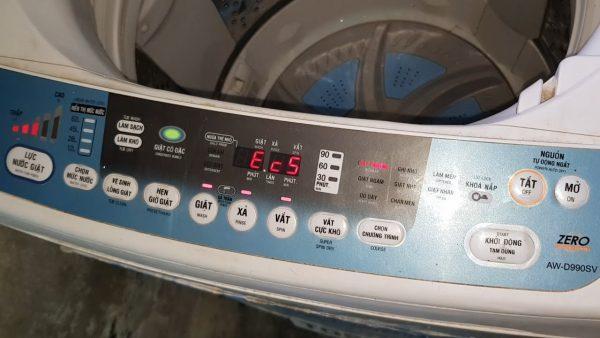 Máy giặt Toshiba báo lỗi Ec5 là bị sao? Cách khắc phục tại nhà