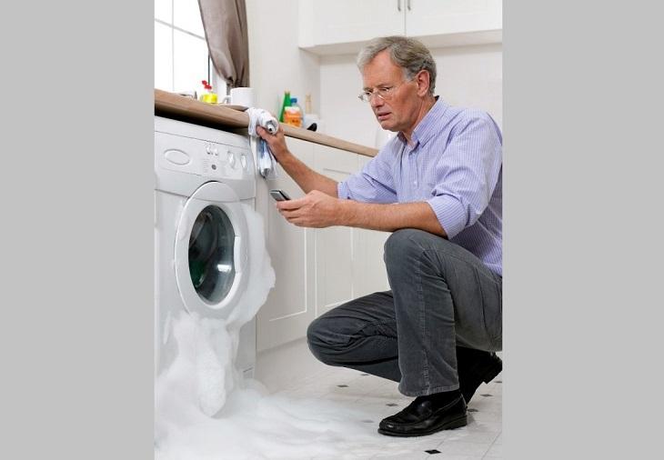 Xử lý bọt xà phòng trong lồng máy giặt