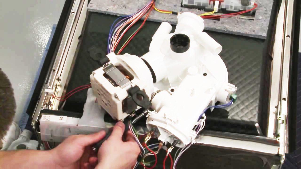 Máy rửa bát Bosch lỗi E01 khắc phục đơn giản chỉ với 15 phút
