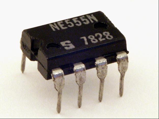 IC 555 là gì ? IC 555 lấy ở đâu, datasheet tiếng việt, nguyên lý