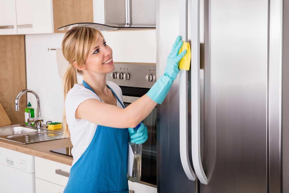 Cách vệ sinh tủ lạnh tại nhà sạch như mới chỉ 15 phút