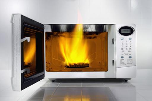Lò vi sóng bị đánh lửa, nổ lụp bụp xử lý tại nhà chi tiết từ A - Z