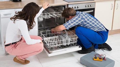 Máy rửa bát không thoát nước xử lý tại nhà chỉ 15 phút
