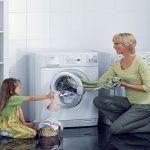 Bật mí: Cách mở cửa máy giặt khi máy đang giặt với 3 thao tác đơn giản